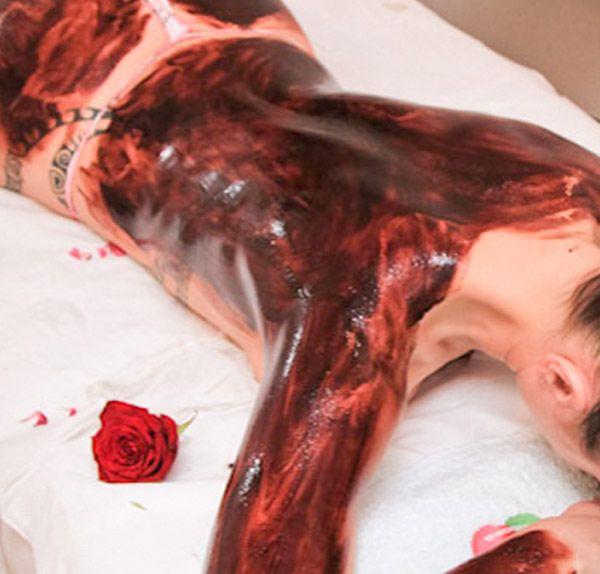 Masaż gorącą czekoladą w gabinecie CUD